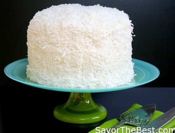 Coconut-Cake-with-Coconut-Buttercream-Frosting-3