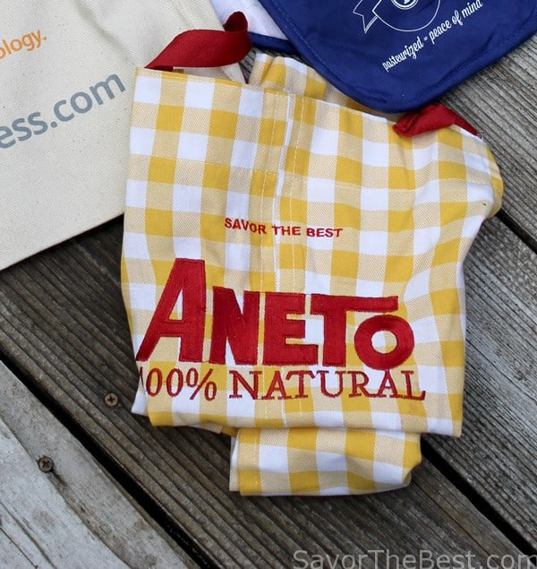 Apron give-away from Aneto Natural