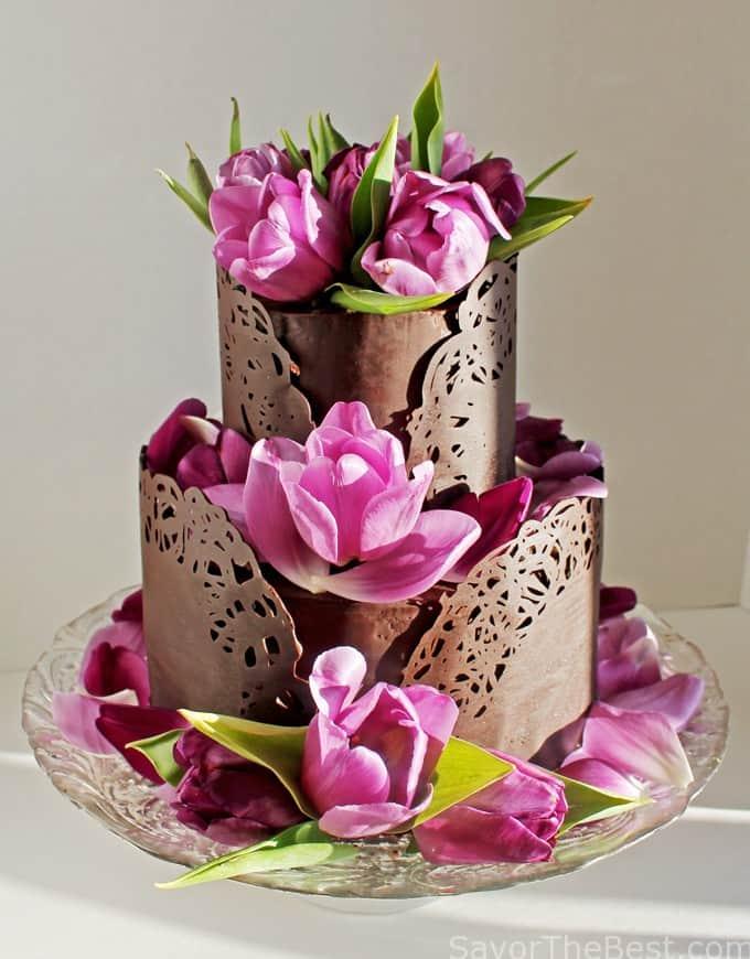 chocolate band around cake