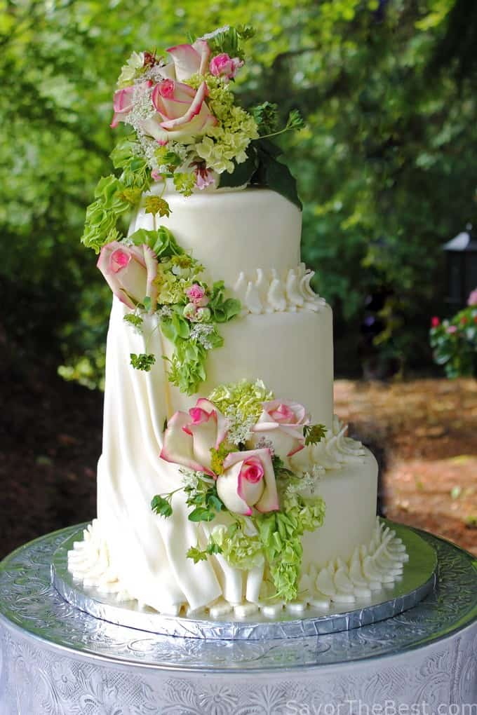 cascading roses wedding cake cascading flowers cake design savor the best 12431