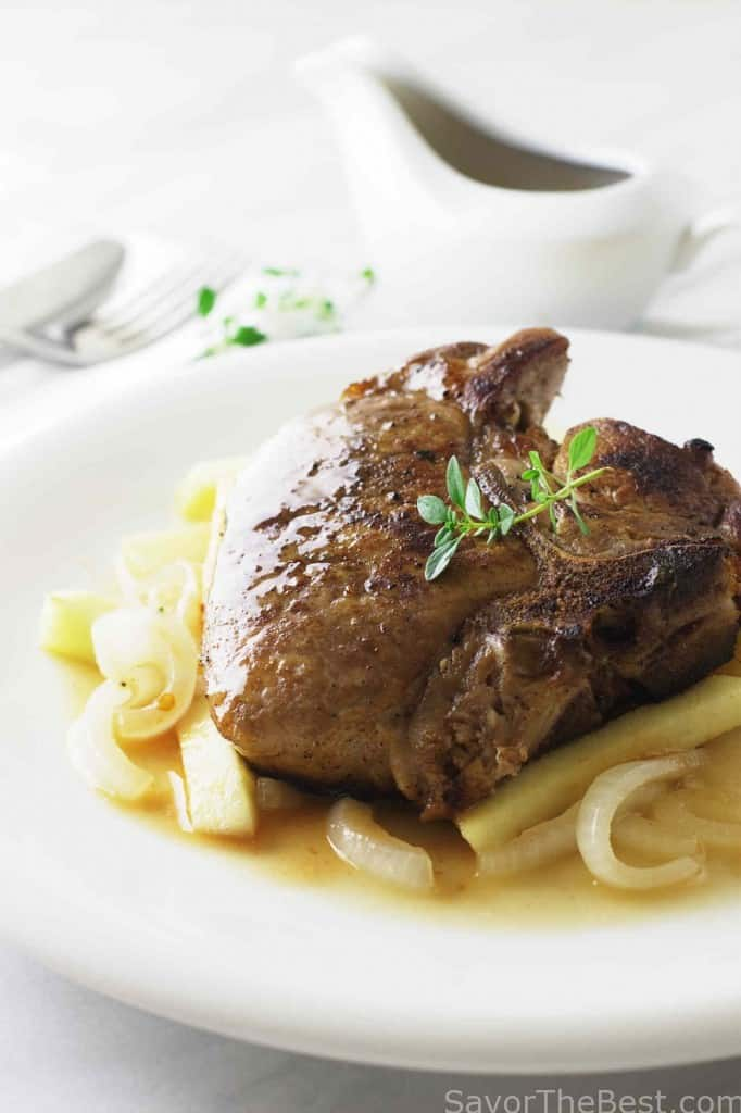 Roasted Pork Chops with Onions and Apples