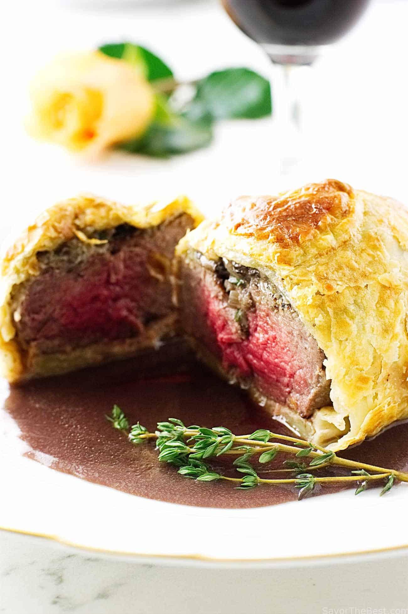 Mini Beef Wellingtons With Cabernet Sauce Savor The Best