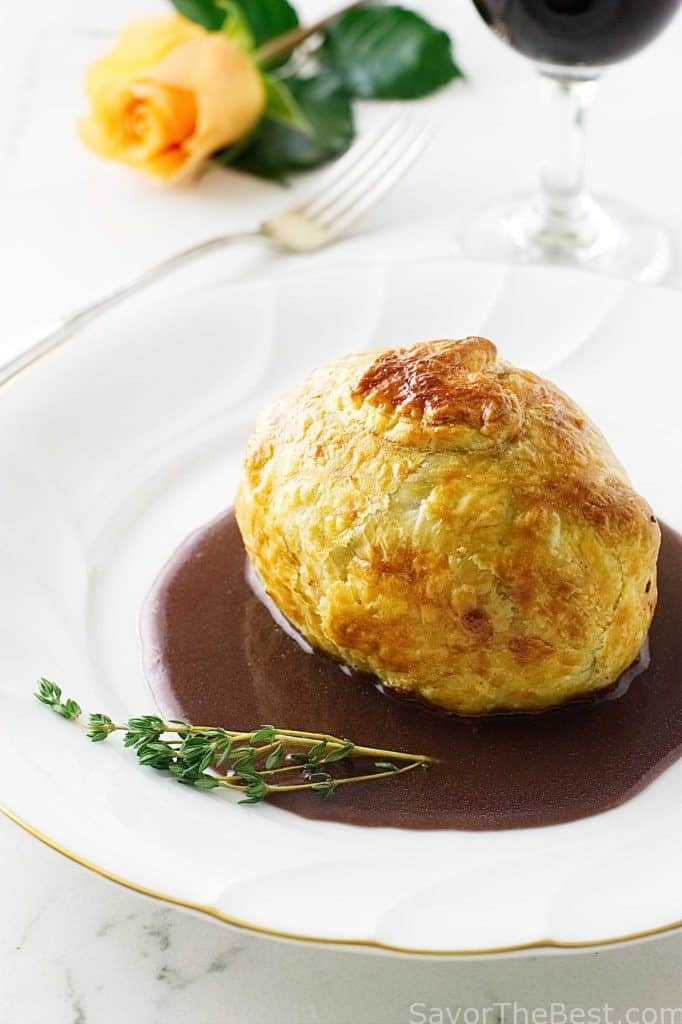 Mini Beef Wellingtons with Cabernet Sauce