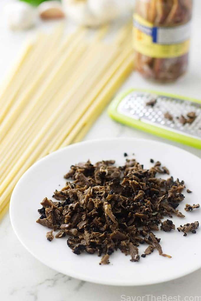 Black Truffles with Pasta Strands