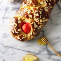 Greek Easter Bread (Tsoureki)