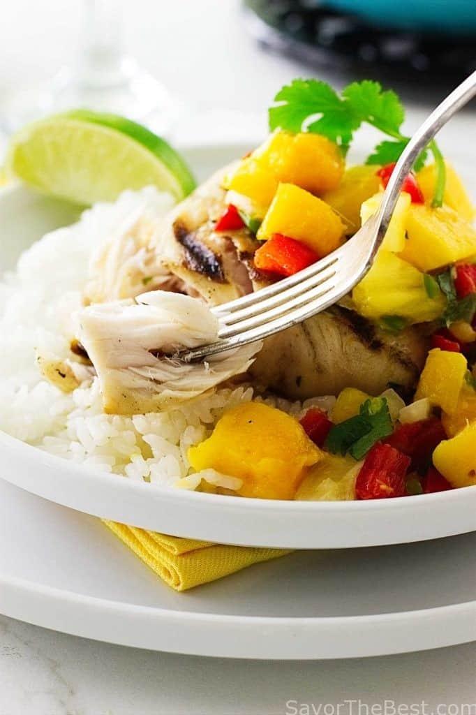 Grilled Mahi-Mahi with Fresh Mango Salsa