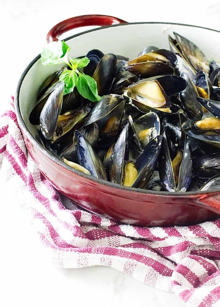 Lemongrass-Coconut Steamed Mussels