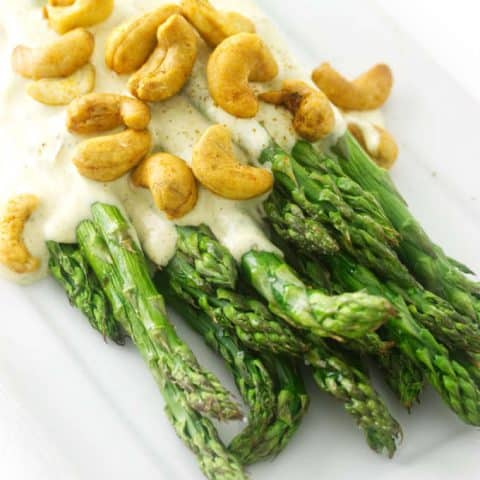 Roasted asparagus with curry sauce