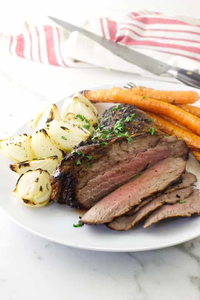 How to Cook a Tri-Tip Roast in the Oven