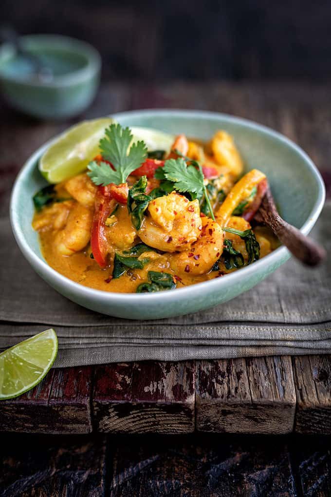 Quick and easy curried prawns
