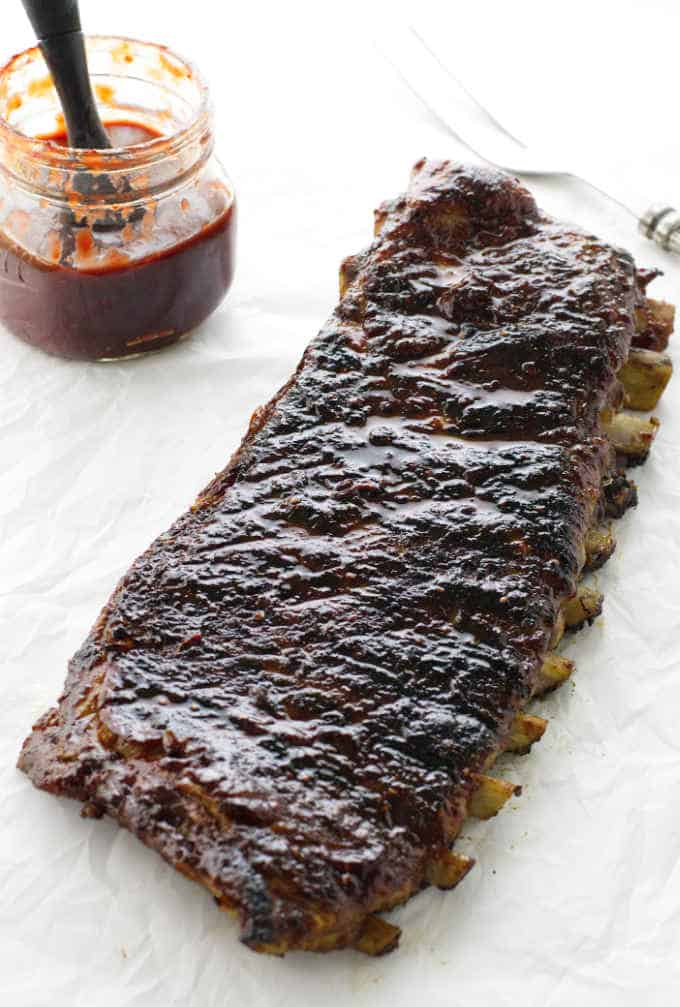 BBQ pork ribs with raspberry chipotle sauce