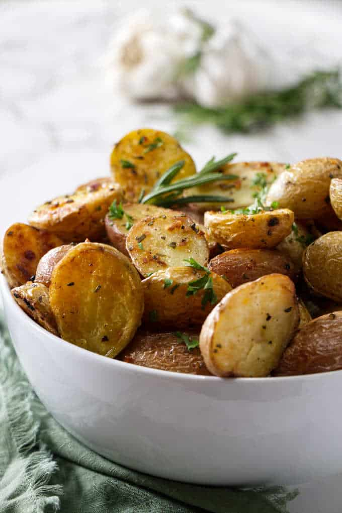 garlic and rosemary roasted potatoes