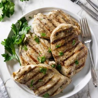 overhead shot of 4 grilled chicken breasts