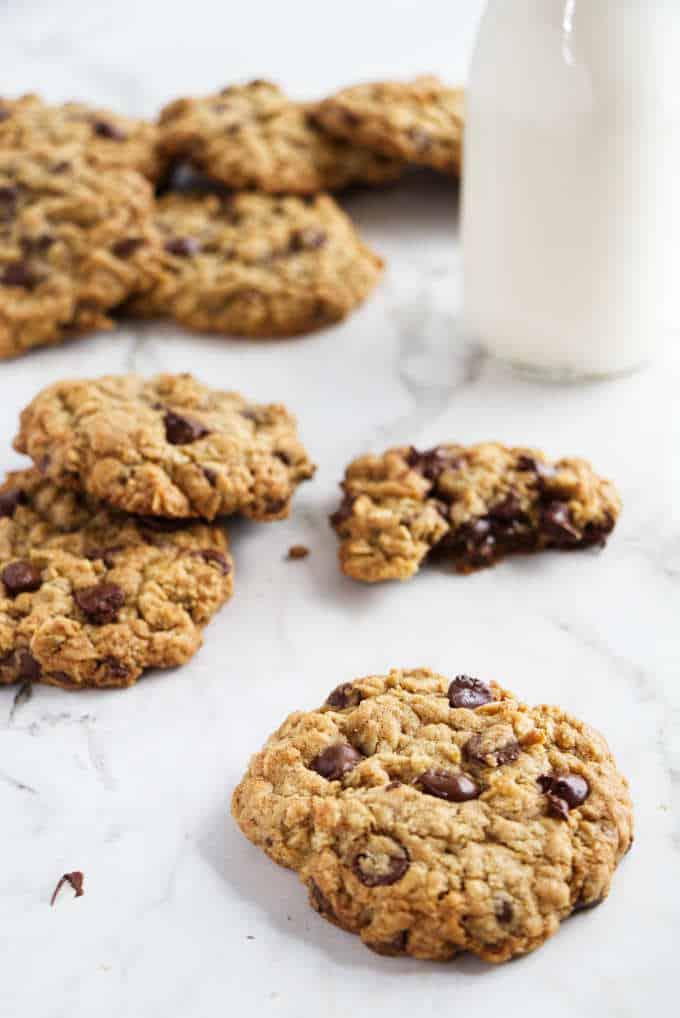 chocolate chip oatmeal cookies