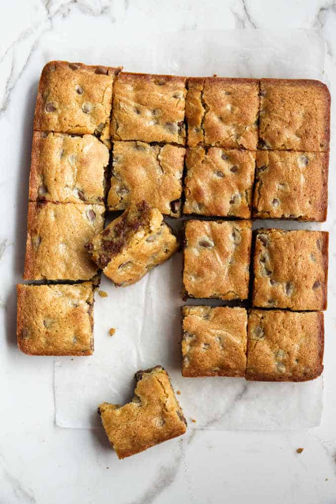 A batch of blondie brownies sliced into 16 squares