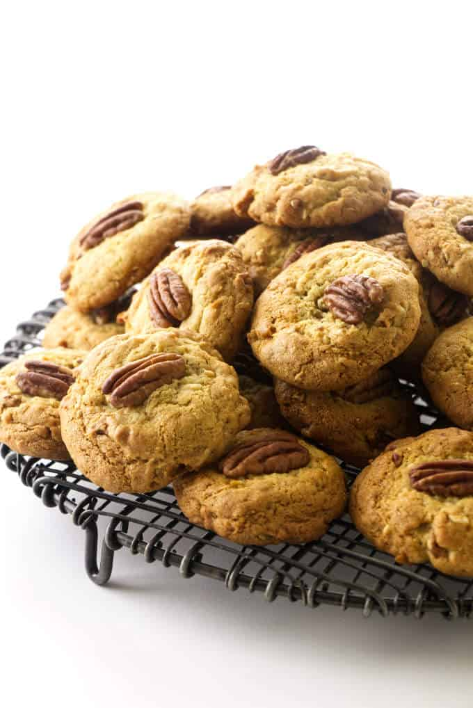 Pile of cookies on a wire rack